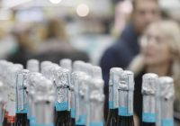 Найдена новая опасность алкоголя для детей и подростков