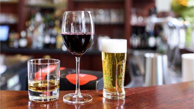 Ученые сравнили влияние вина и пива на сердце