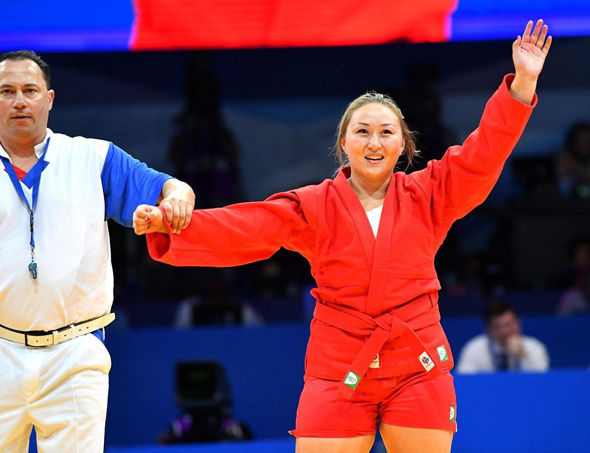 Жанара Кусанова завоевала золото Чемпионата России по самбо
