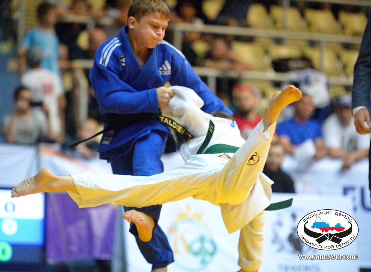 Оренбуржцы взяли золото, серебро и бронзу по итогам первого дня Кубка Евразии
