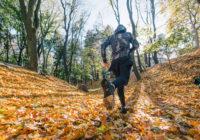 В чем бегать осенью? Правила выбора спортивной одежды для тренировок