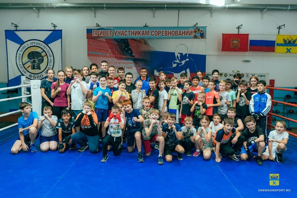 Габил Мамедов провел тренировку в Центре бокса