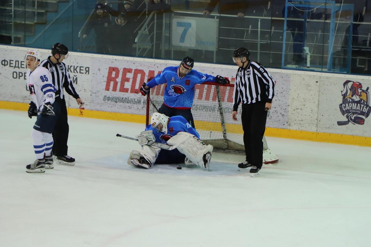 «Оренбург» выиграл три очка у «Кургана»
