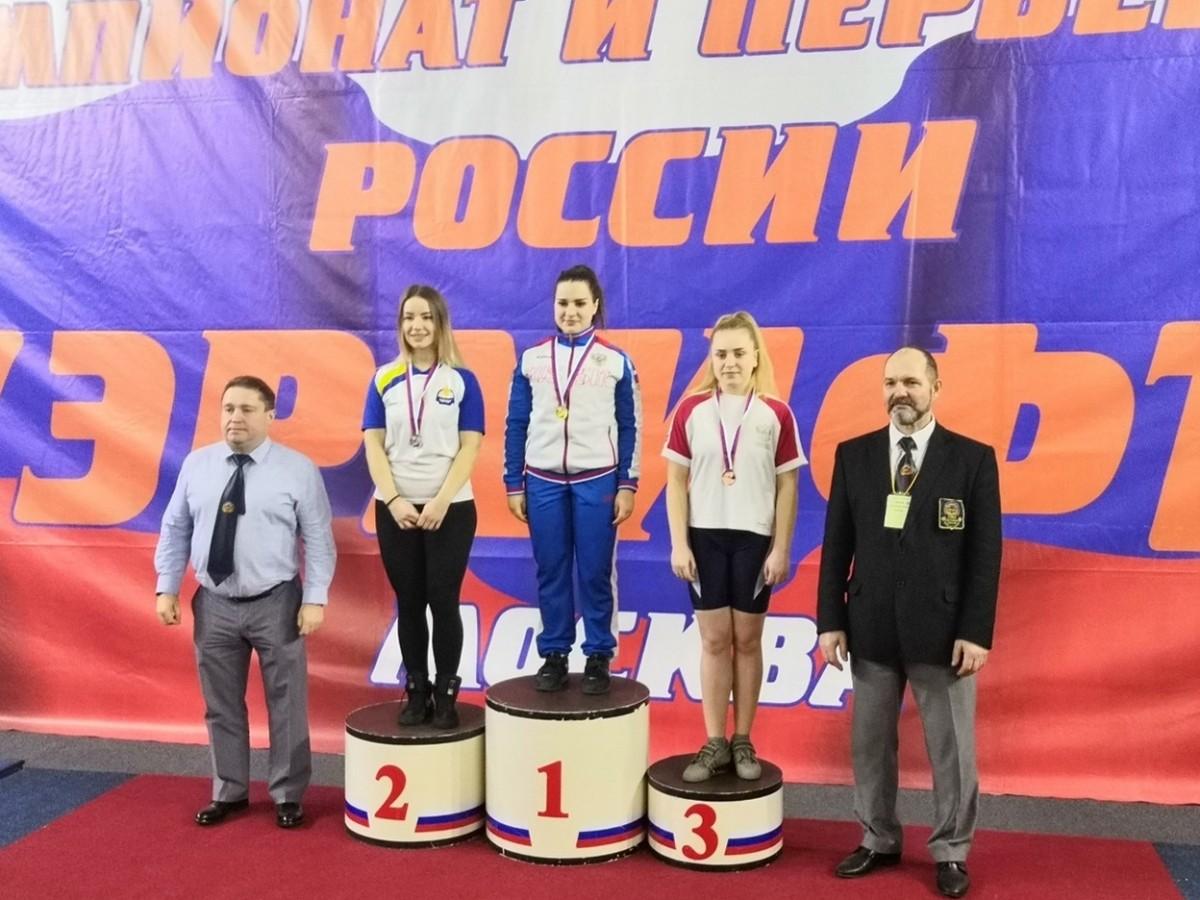 Дарья Ломацкая завоевала золото первенства России по пауэрлифтингу