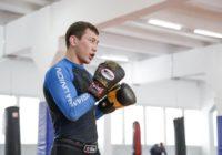 Саламат Исбулаев поделился видео домашних тренировок