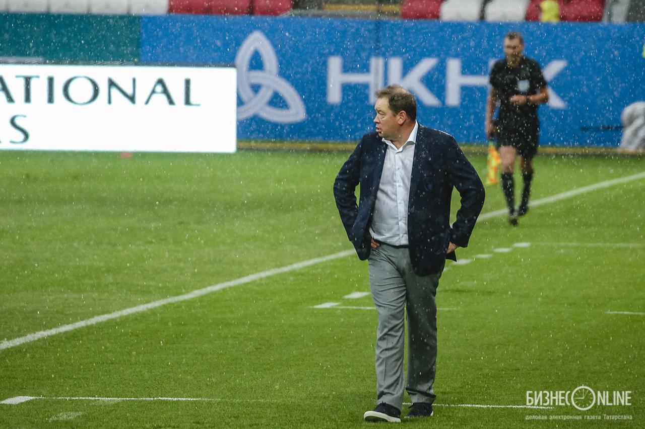 Леонид Слуцкий: Игроки «Оренбурга» летели на матч с «Рубином» как герои