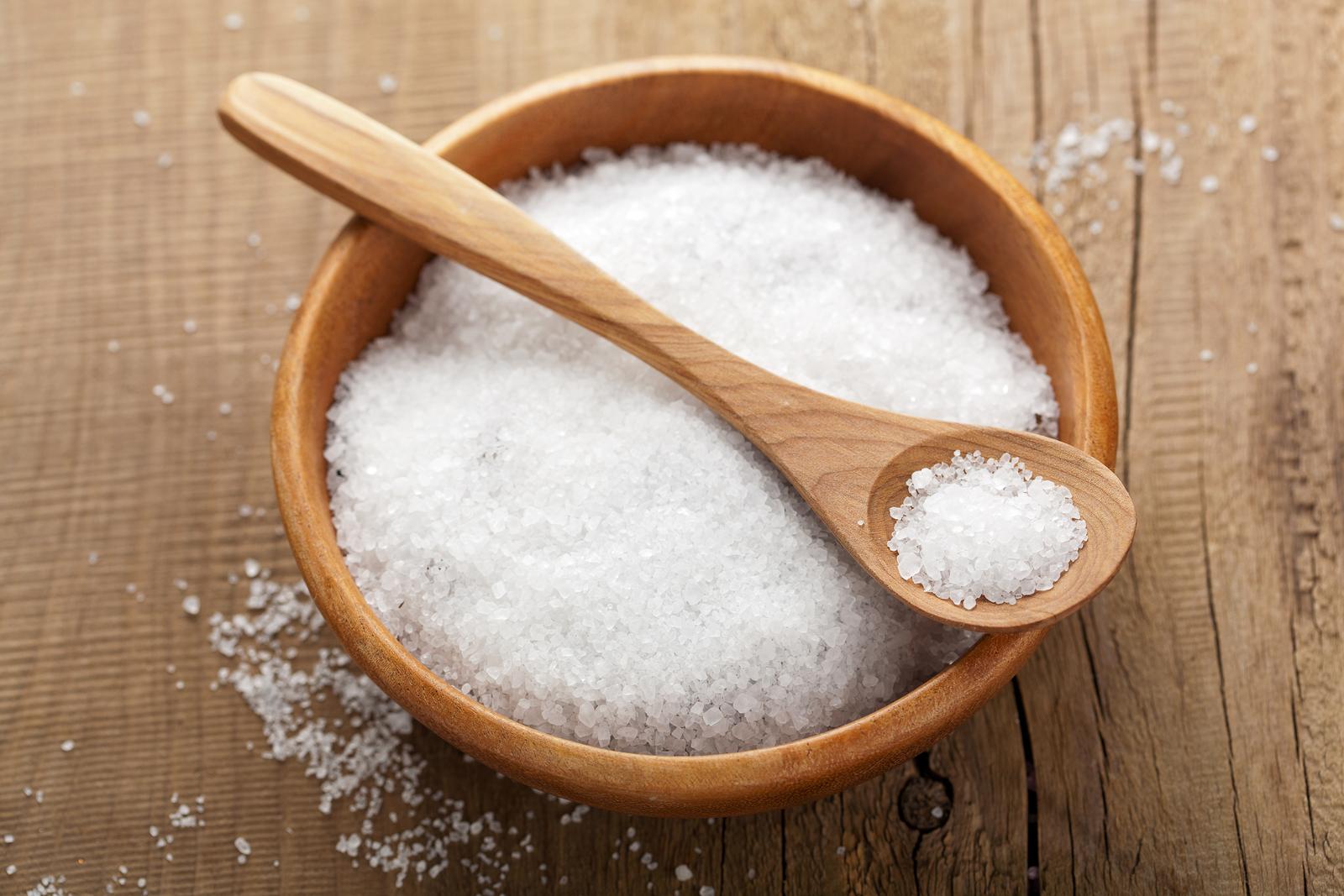 Соль назвали самым вредным продуктом для почек