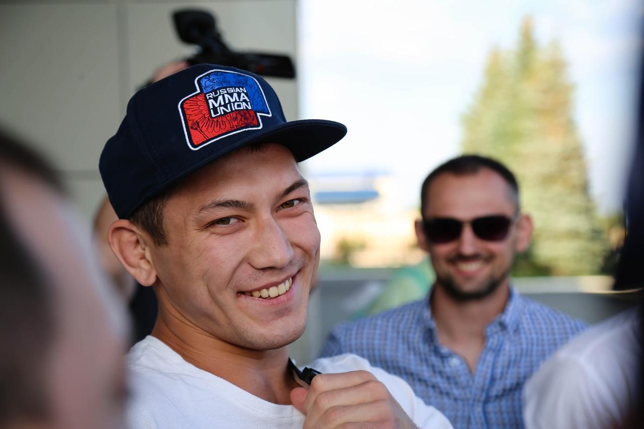 Чемпионская зарядка: Саламат Исбулаев проведет открытую тренировку в парке Перовского