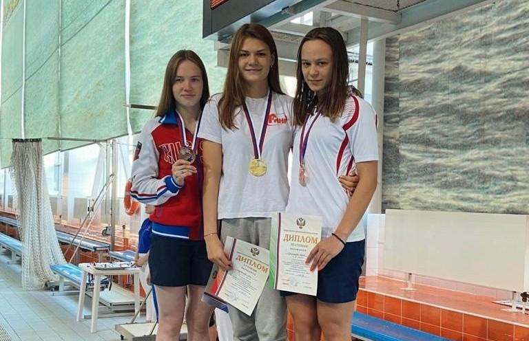 Орская пловчиха Яна Мартынова завоевала золото Чемпионата России