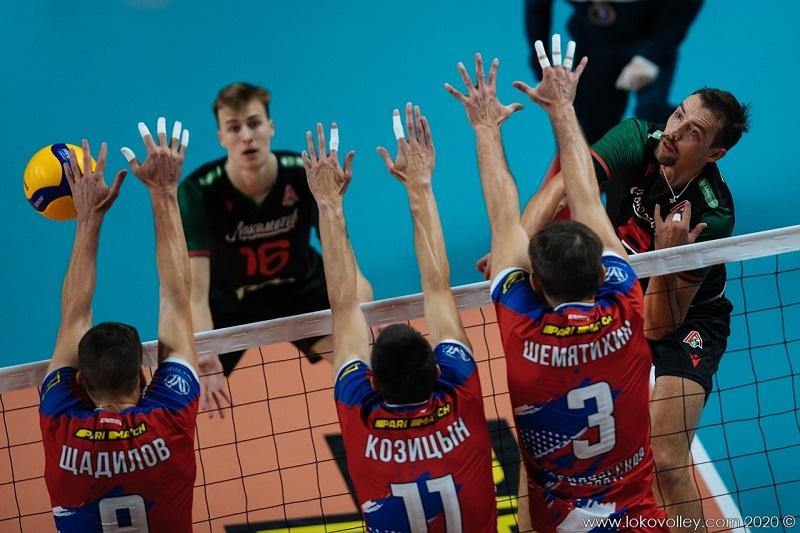 Оренбургский «Нефтяник» уступил на выезде «Локомотиву»