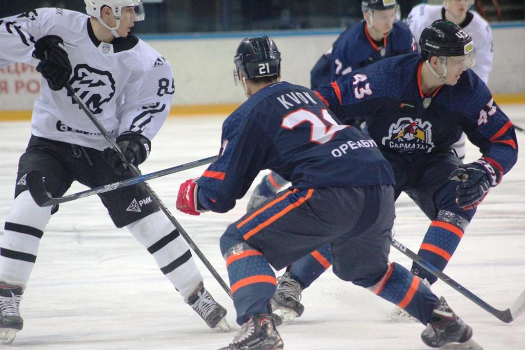 Оренбургские «Сарматы» дважды уступили челябинским «Белым Медведям»