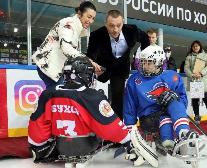 В Оренбурге стартовал следж-хоккейный турнир «Поволжское дерби»
