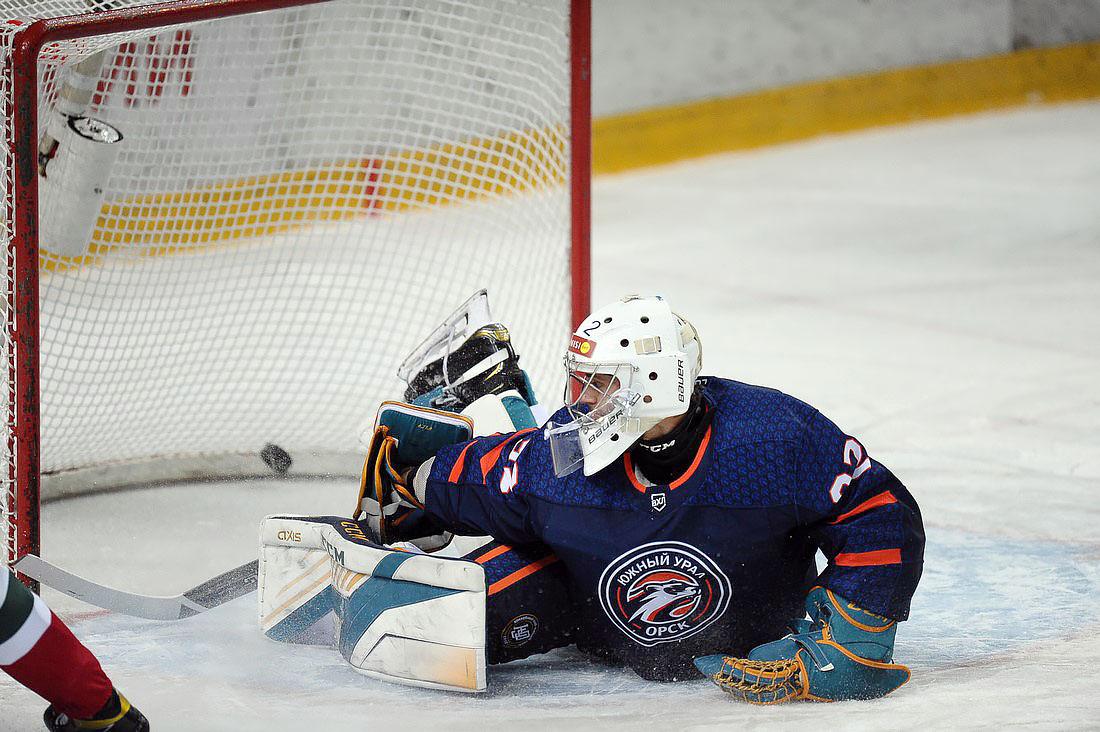 «Южный Урал» проиграл 10 матчей подряд и закончил сезон на 22 месте