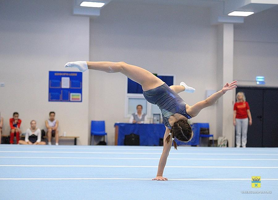 Гибкость и растяжка: в Оренбурге прошел Чемпионат области по спортивной гимнастике