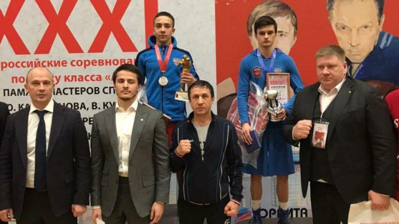 Тимур Фаррахов завоевал золото на Всероссийских соревнованиях по боксу