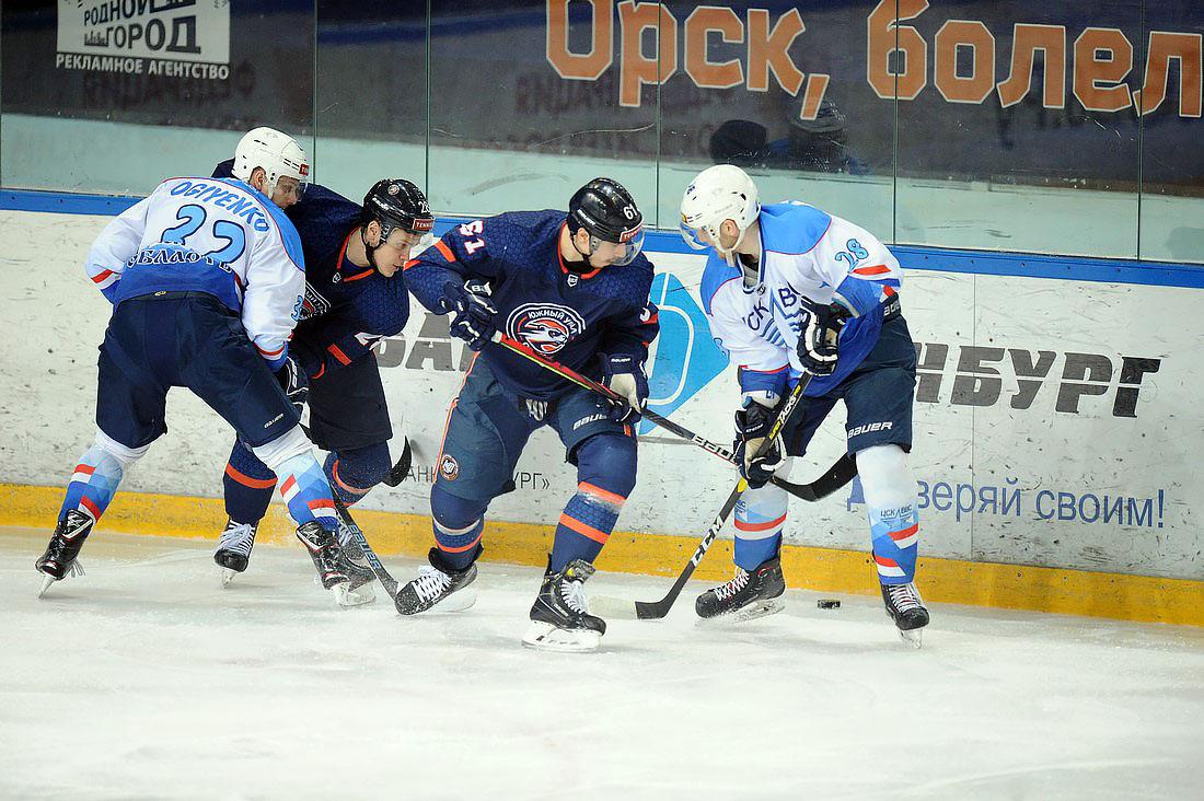 «Южный Урал» на домашнем льду проиграл ЦСК ВВС