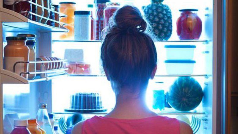 Ночной дожор: как прекратить опустошать холодильник после заката?