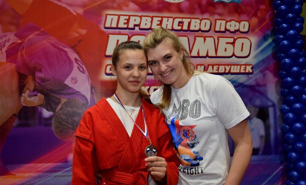 Самбисты из Оренбуржья завоевали 11 медалей Первенства ПФО