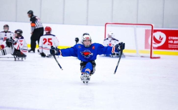 Юные оренбургские «Ястребы» привезли золото фестиваля адаптивного хоккея