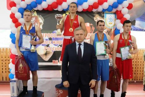 Оренбуржец Анис Арысланов стал сильнейшим боксером Росгвардии