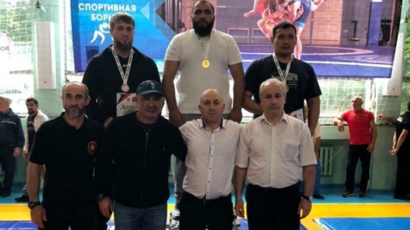 Борец Ахмед Герейханов завоевал титул чемпиона России среди ветеранов