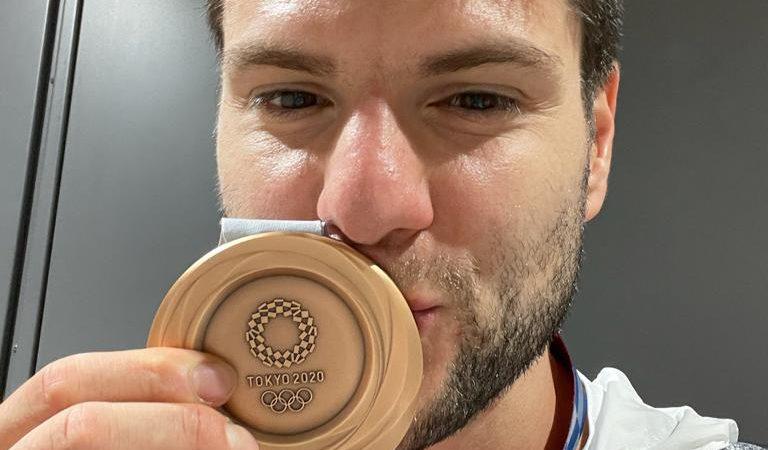 Игрок «Факел-Газпрома» Дмитрий Овчаров стал бронзовым призером Олимпиады