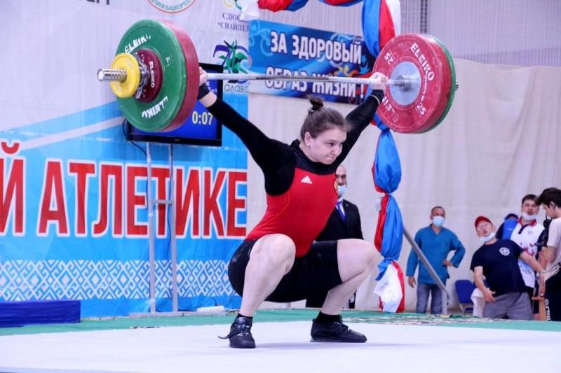 Оренбургские спортсмены завоевали медали на первенстве России по тяжелой атлетике