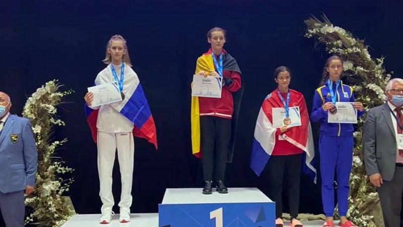 Оренбурженка Дарья Солосич завоевала серебро Первенства Европы по тхэквондо