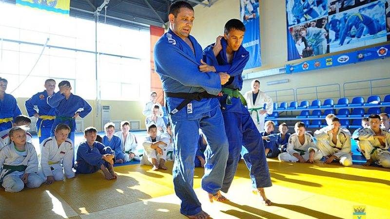 Пятикратный призер чемпионатов мира Кирилл Денисов провел мастер-класс в Центре дзюдо