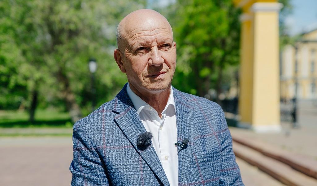 Геннадий Аверьянов может снова возглавить комитет Заксоба по образованию, культуре, науке и спорту