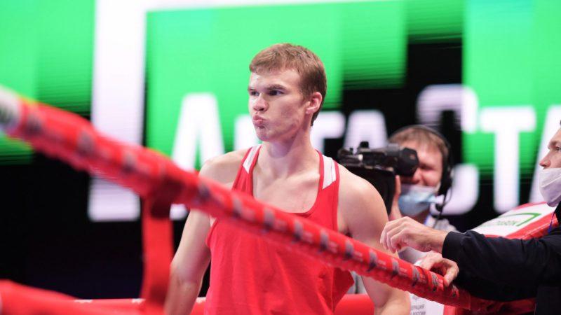 Оренбургский боксер Алексей Зобнин вышел в полуфинал чемпионата России